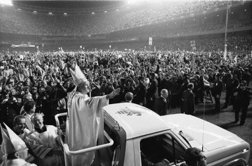 João Paulo II na primeira Jornada Mundial da Juventude, em 1986