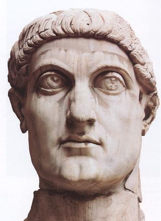 Estátua representando o Imperador Constantino