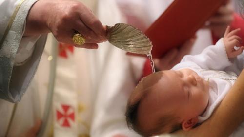 Qual será a opinião dela a respeito dos ritos batistais?