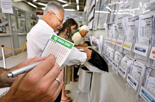 Escolher a religião certa seria mais ou menos como acertar a loteria?